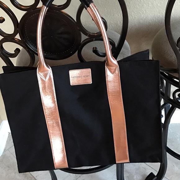 Woman s large oversized shoulder bag. M 5817ce3f5a49d07473063645 dc275cf2b2486