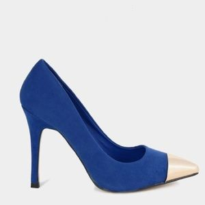 ☀️summer blowout☀️Blue suede heels with silver tip