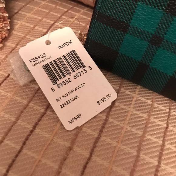 online retailer 30307 ad27e 🎉SALE🎉New Coach Riley Plaid zip wallet!