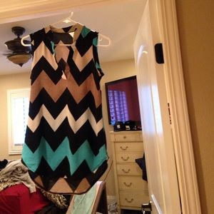 Short sleeve chevron top