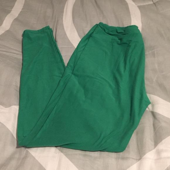 5bc74c4b5ed503 LuLaRoe Pants   Final Sale Bnwt Tc Leggings Solid Green   Poshmark