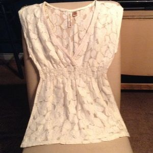 Forever 21 Tops - GORGEOUS CREAM LACE &CROCHET VINTAGE STYLE TOP🤑
