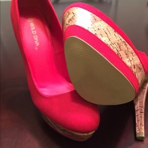 Wild Diva Shoes - 🔴FINAL MARK DOWN  Red Twill super chic 5 1/2 pump