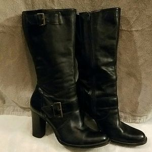 Julius Shoes - Black leather mid-career boots.