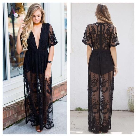 7f8f817e925  LAST1  Black Embroidered Lace Maxi Dress