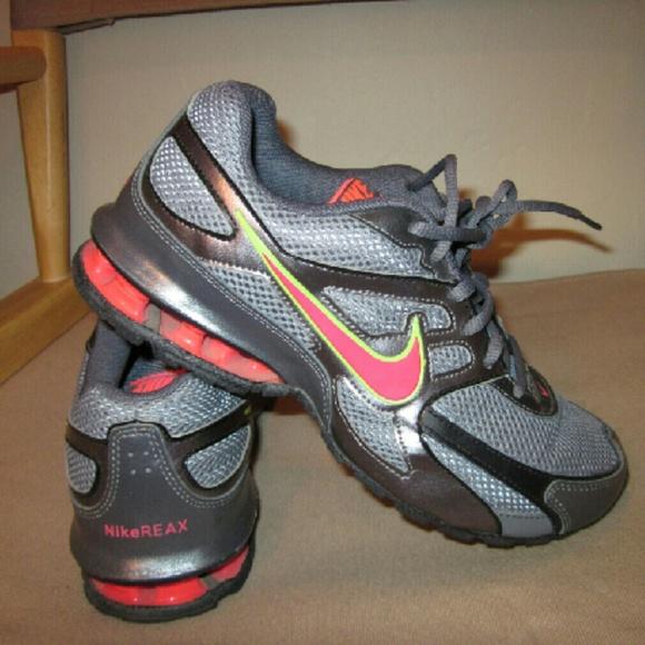 e2f2be2b7bc7 Nike Reax Run Dominate size 7.5. M 58185f0ec28456264000c0d8