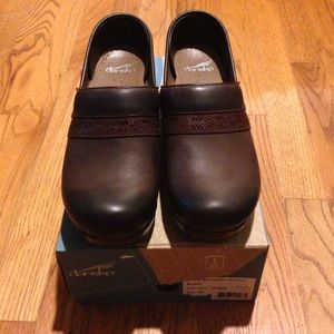 Dansko Shoes - Penny Burnished Nubuck Brown Dansko's.