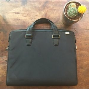 tumi Handbags - Tumi briefcase/laptop case