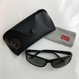 NWOT Ray-Ban sport polarized sunglasses