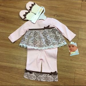 Vitamins Baby Other - NEW NWT Vitamins Baby Outfit Pink Brown 3 Mo