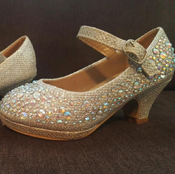 4e0e6d7900a Toddler girls size 9 crystal embellished high heel