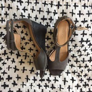 Marais USA Shoes - Marais USA NIB T-bar wedge sandals Size 8
