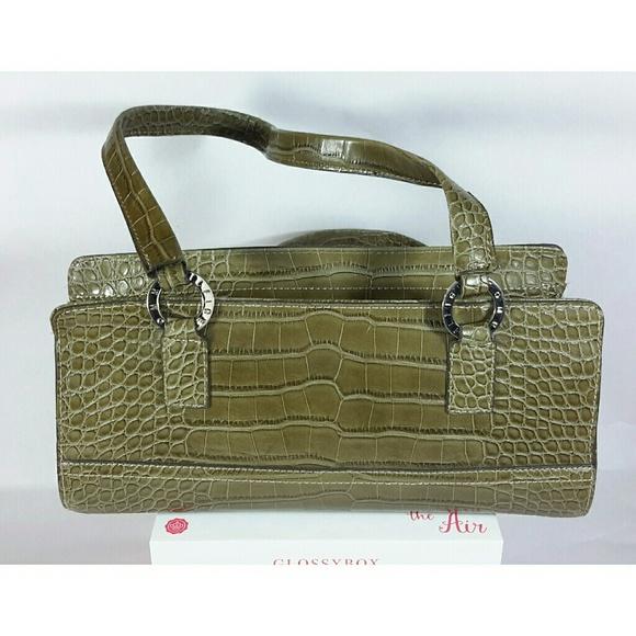 89b29523e8 Final Drop Tommy Hilfiger Olive Green Bag. M_5818f37f5c12f84360024901