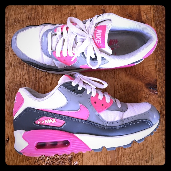 new styles 01126 3a619 Womens Nike Air Max 90 Essential - size 7.5