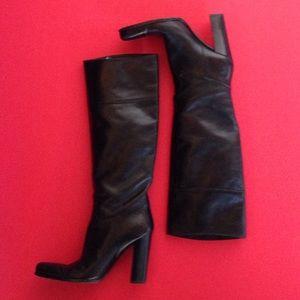 Sergio Rossi Shoes - SERGIO ROSSI VINTAGE BLACK LEATHER BOOTS🍒EUC