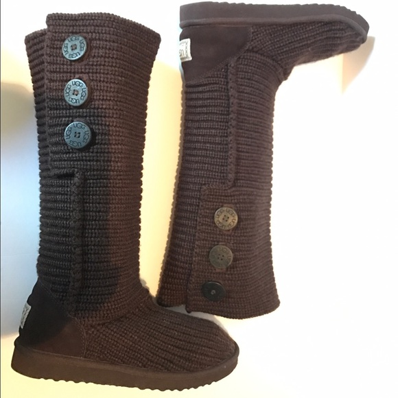 Ugg classic cardy brown knit size 8 Boot