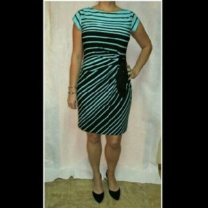 Taylor Dresses & Skirts - Taylor Side Pleated Dress