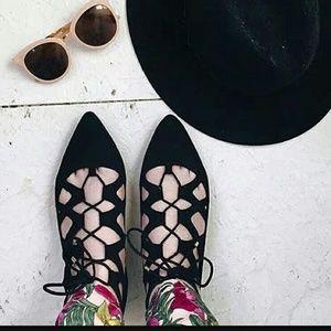 Christian Siriano Shoes - 💜NWT💋CHRISTIAN SIRIANO AUDRI GHILLIE FLATS