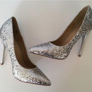 GlamVault Shoes - CLEARANCE! Silver Glitter High Heel Pumps