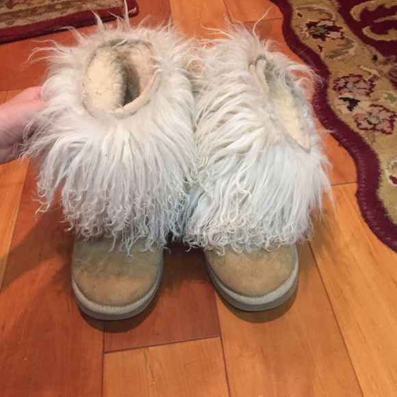 Fuzzy uggs