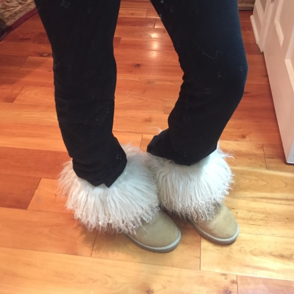 75 Off Ugg Shoes - Fuzzy Uggs From Maisies Closet On -8852