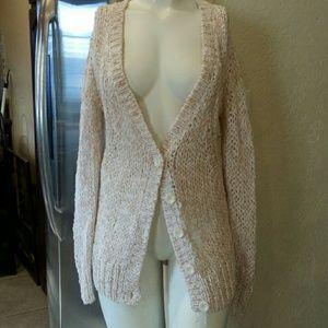 Hinge open knit button close cardigan