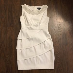 Connected Apparel Dresses & Skirts - Beautiful ivory white dress