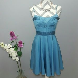 Laundry by Design Dresses & Skirts - Laundry by Design Flowy Dress