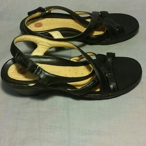 3166cbc4008 Clarks Shoes - Structured Clarks sandals black leather size 7 M