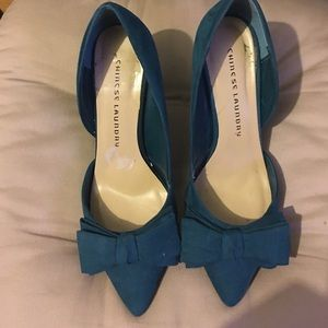 "Chinese Laundry bow heels size 4"". Size 8"