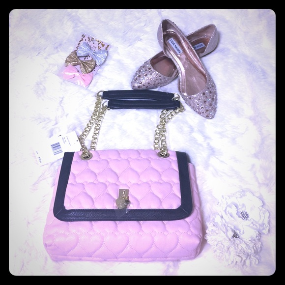 Betsey Johnson Handbags - 🎈SALE BETSEY JOHNSON Pink and Black Satchel -BG-9