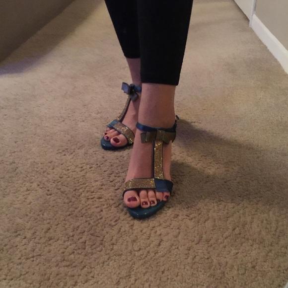 29c0eaa813fa57 Brand new Blue bling high heels sandals