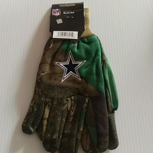 Other - Dallas Cowboys Realtree utility gloves