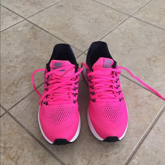 Nike scarpe   33 Zoom Pegasus 33  Size 7y   Poshmark 60d374