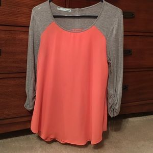 Very comfy peach and gray top