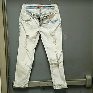 Dollhouse Light blue ripped cropped jeans