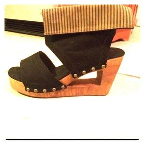 Cut out wedge platform
