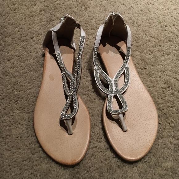 d75314c630074 White sparkly t-strap sandals size 9-9.5. M 581a1e28522b45108405c7cf.  M 581a1e293c6f9f4d3f05d301. M 581a1e2a2ba50afc1d05cf4d.  M 581a1e2beaf030b15c05d377