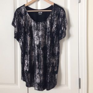Apt 9 black and grey blouse
