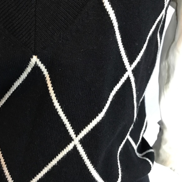 Express Sweaters - Express black and white argyle v neck sweater M
