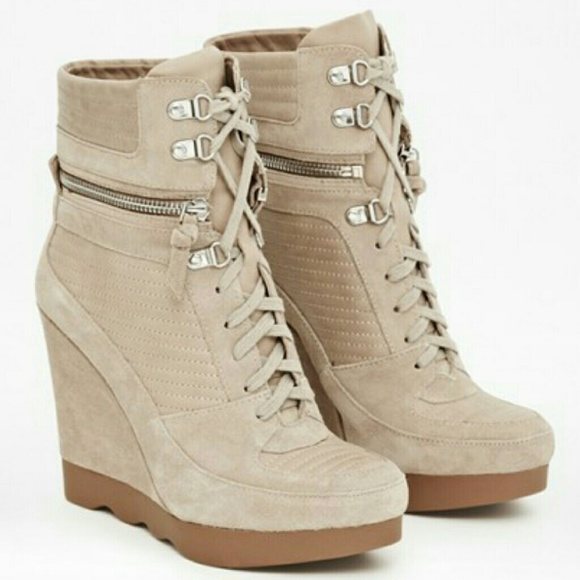 258a44f13ee3 French Connection  Maata  Leather Wedge Sneakers