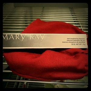 Mary Kay Lash Lengthening Mascara in Black NIB