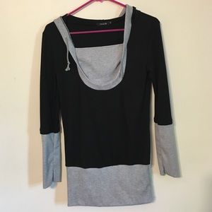 finejo Tops - WINTER SALE!! Adorable hooded black tee