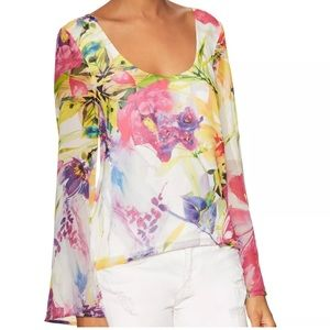 Yumi Kim Tops - ❗1 HR SALE❗YUMI KIM Top Floral Bell Sleeve Blouse