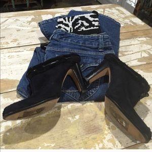 Anne Klein Black Suede Mule Shoe 7.5, true to size