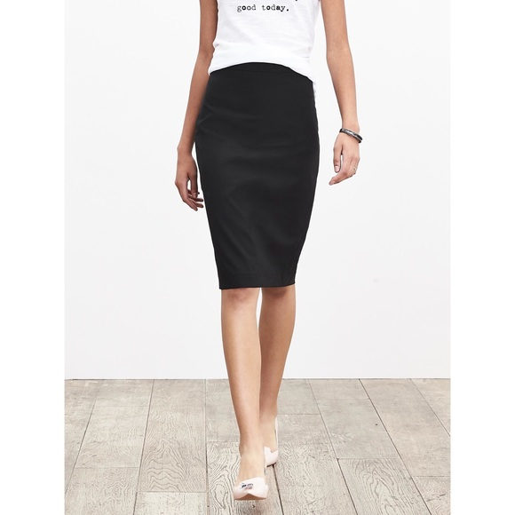 abb4cf1c2a Banana Republic Dresses & Skirts - Banana republic lightweight wool pencil  skirt