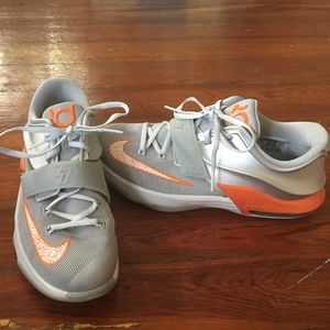 nike nike kevin durant tennis shoes from akiki s closet
