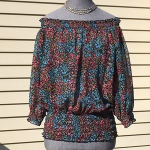 At Last Tops - MINT CONDITION! Off the Shoulder Top Size M.