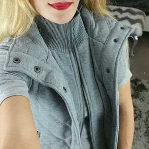 🌟🆕 Aeropostale gray quilted vest