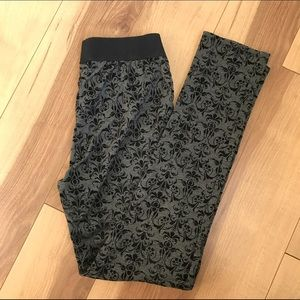 Black Velvet Skinny Leggings